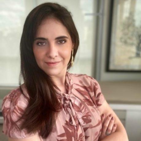 Mara Cláudia Dias